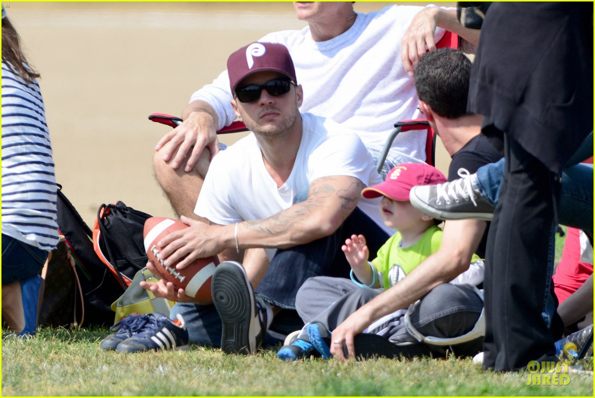 ryan phillippe abs flashing at deacon football game 042863592