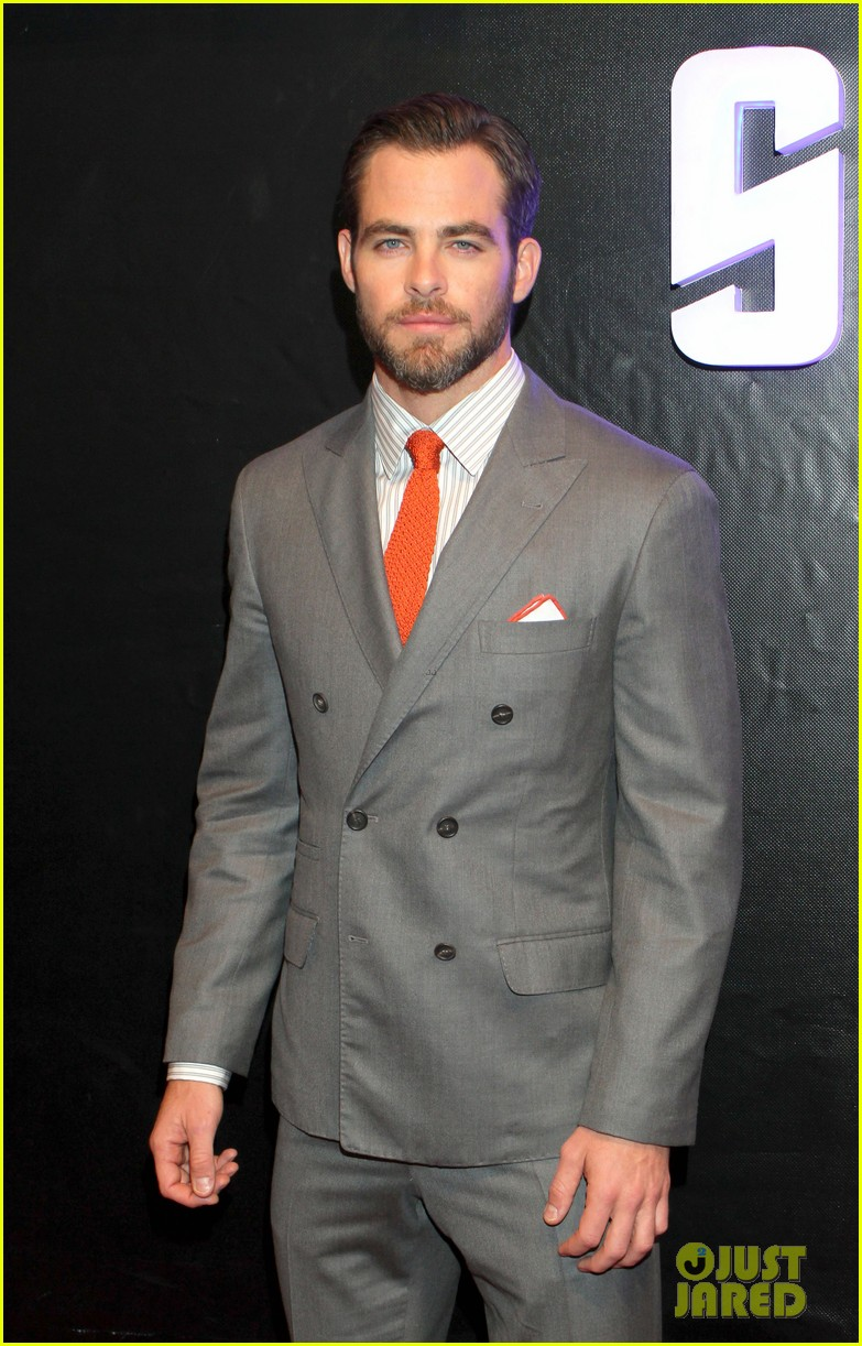 chris pine zoe saldana star trek in mexico city 022866739