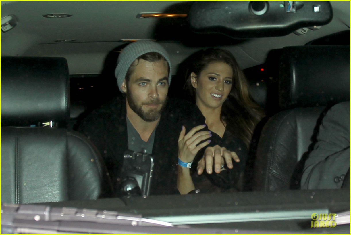 chris pine hold hands with mystery gal at bootsy bellows 042877866