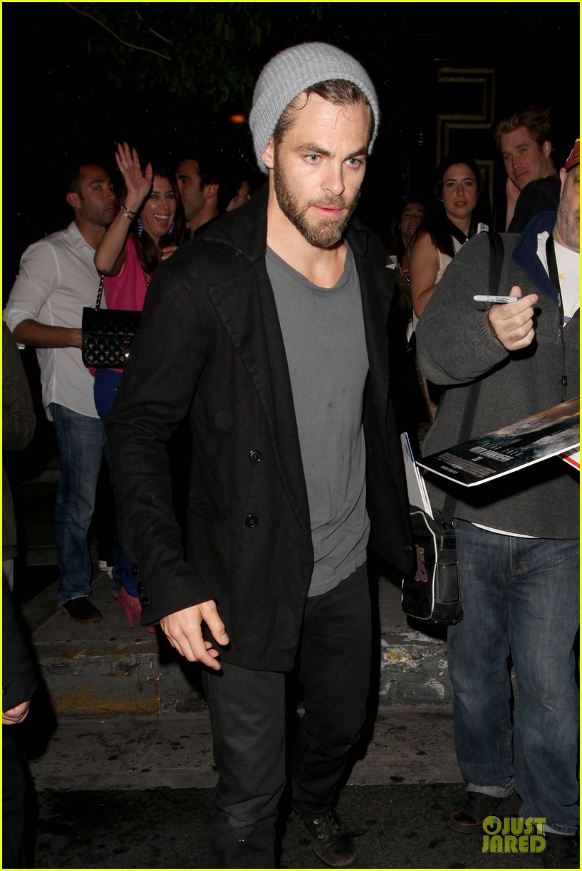 chris pine hold hands with mystery gal at bootsy bellows 112877873