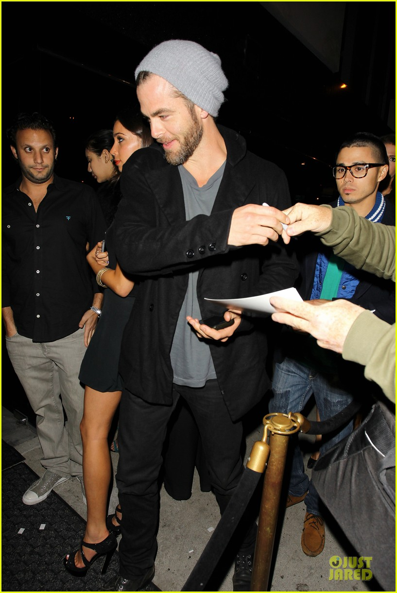 chris pine hold hands with mystery gal at bootsy bellows 232877885