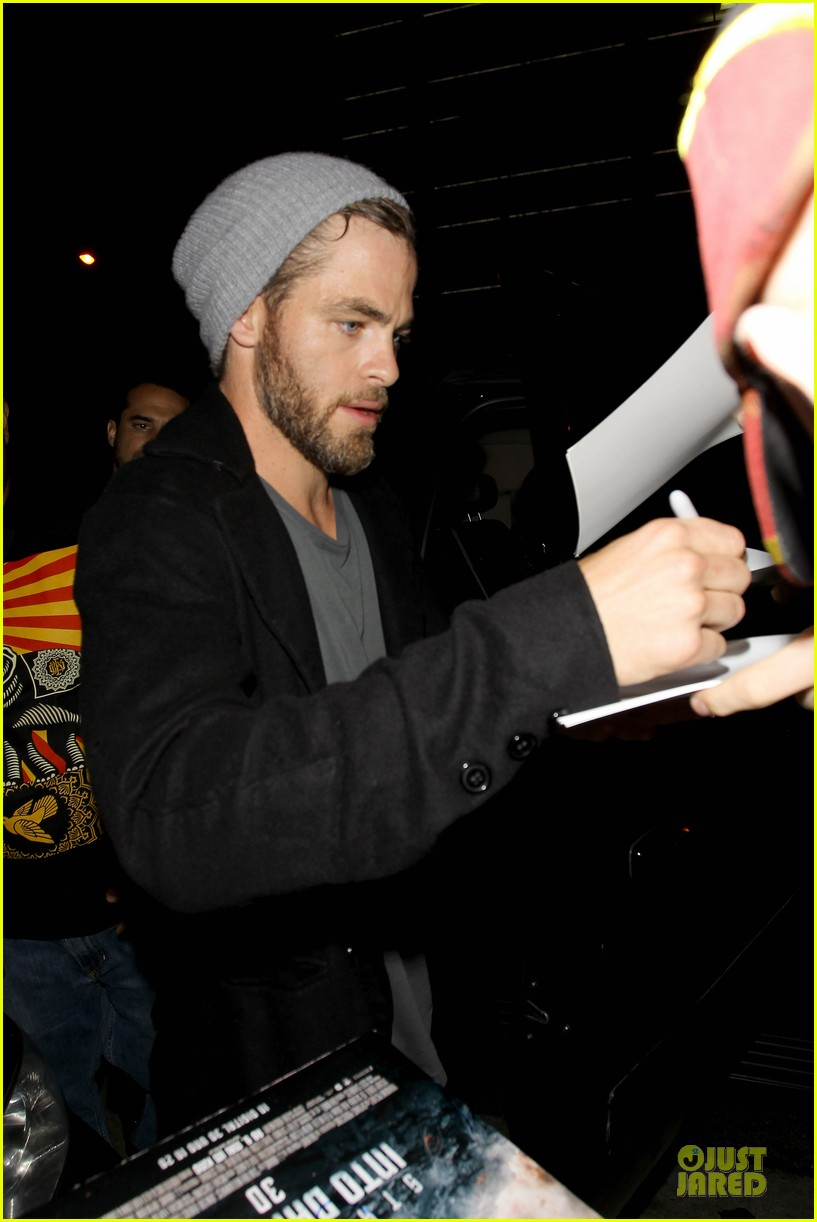 chris pine hold hands with mystery gal at bootsy bellows 262877888