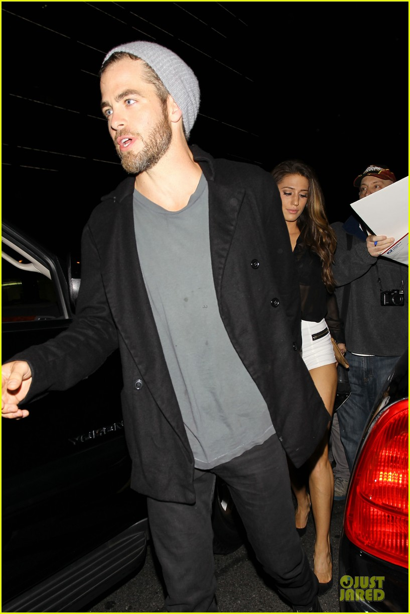 chris pine hold hands with mystery gal at bootsy bellows 272877889