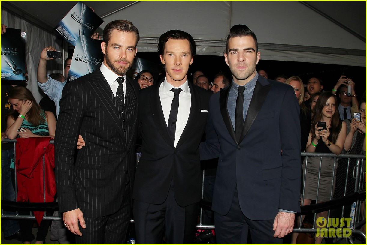 chris pine benedict cumberbatch star trek nyc screening 29