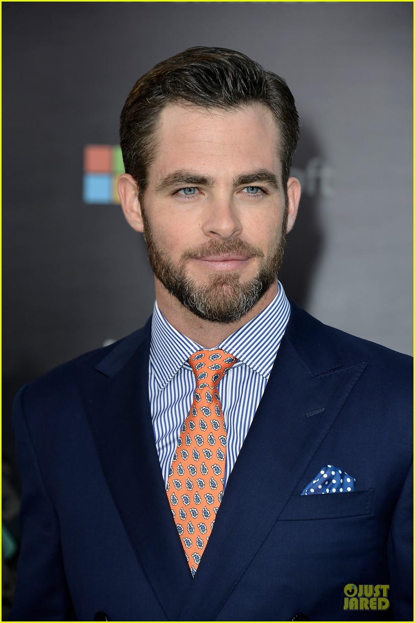 chris pine zachary quinto star trek into darkness premiere 06