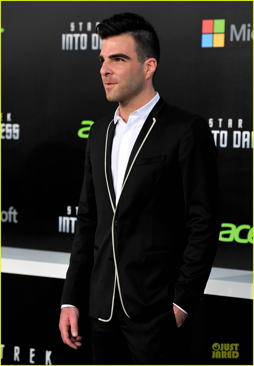 chris pine zachary quinto star trek into darkness premiere 14