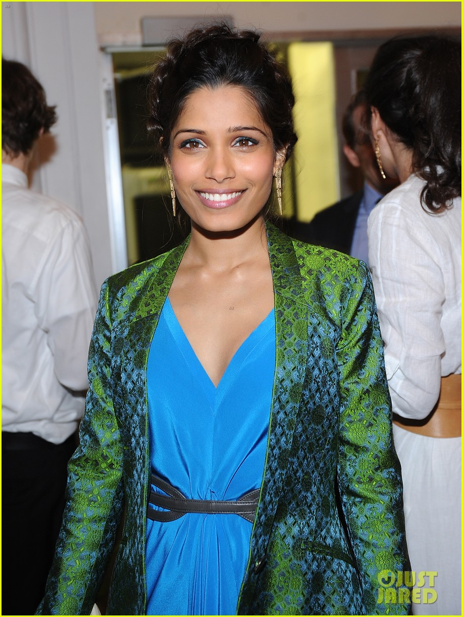 freida pinto maiyet varanasi silk capsule collection dinner 092867687