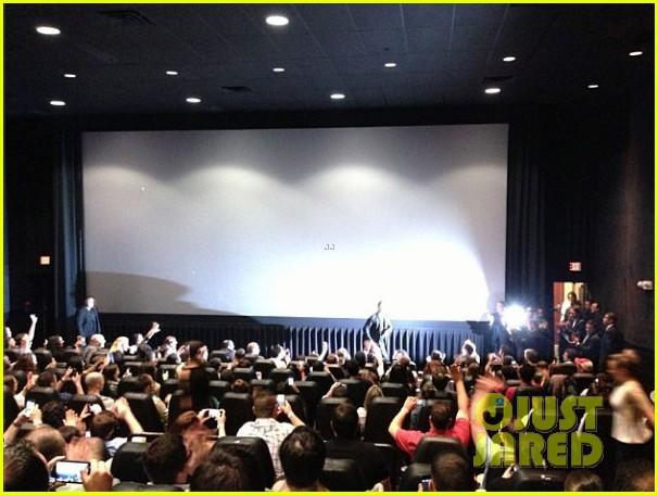 brad pitt surprises fans at world war z screening in nj 102876622