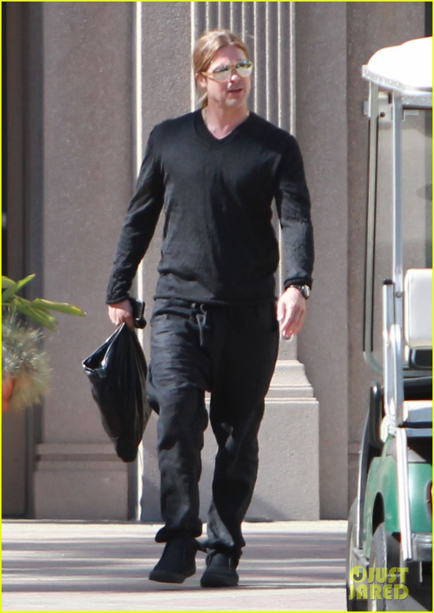 brad pitt steps out after angelina jolie double mastectomy 20