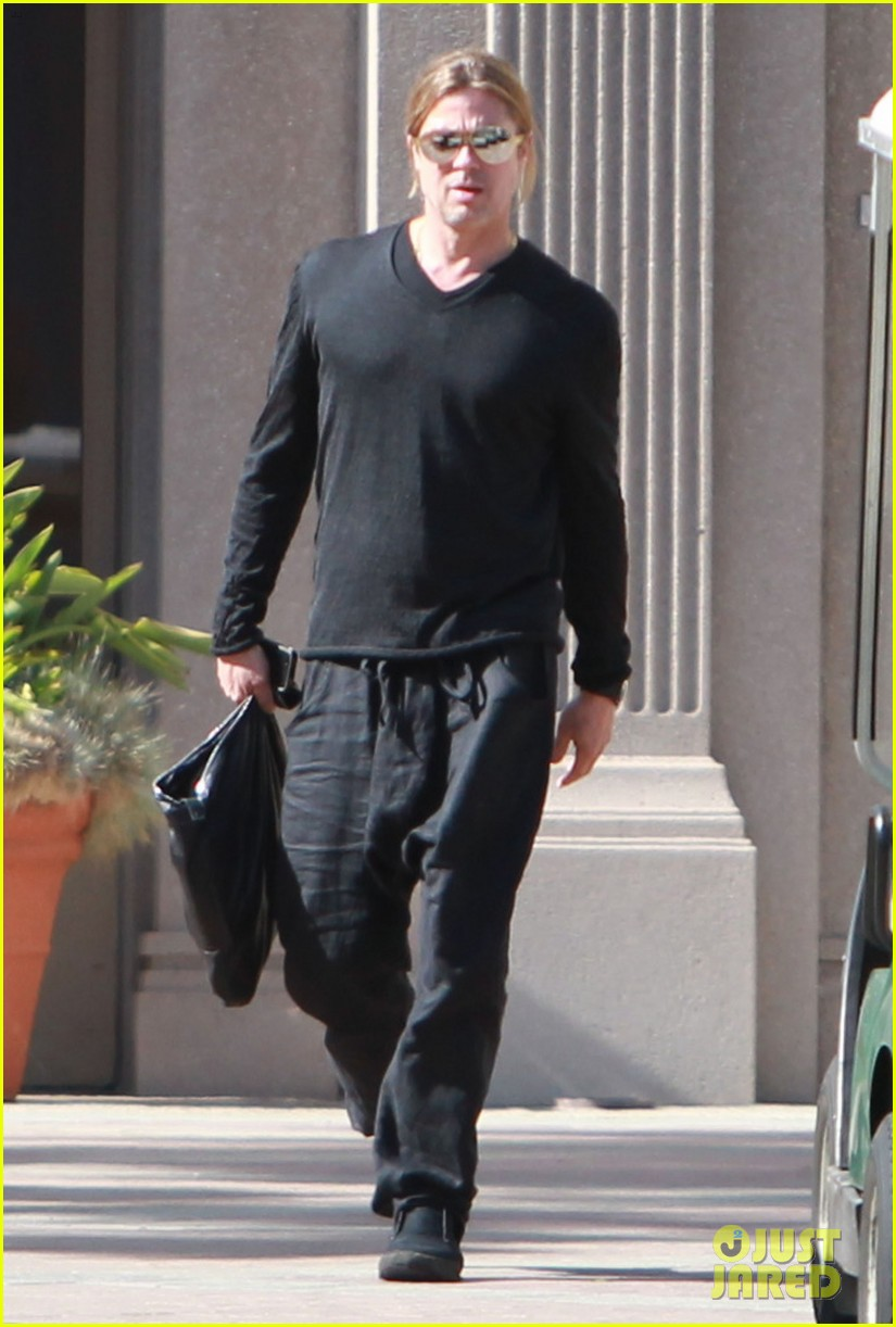 brad pitt steps out after angelina jolie double mastectomy 222871186