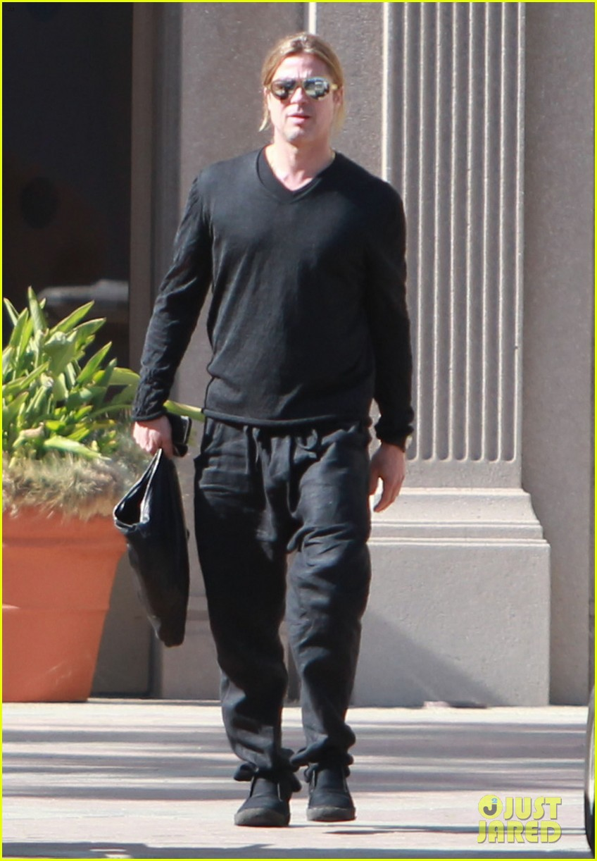 brad pitt steps out after angelina jolie double mastectomy 252871189