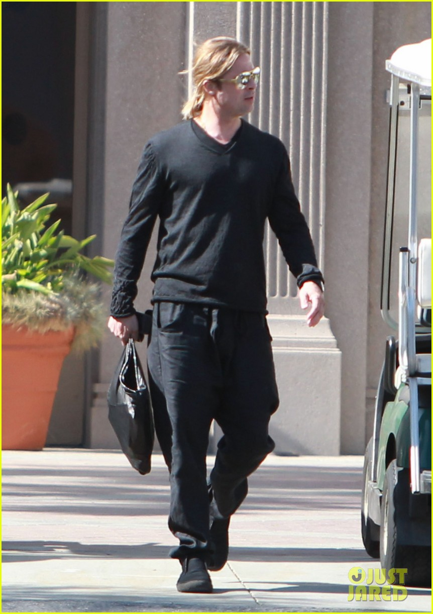 brad pitt steps out after angelina jolie double mastectomy 282871192