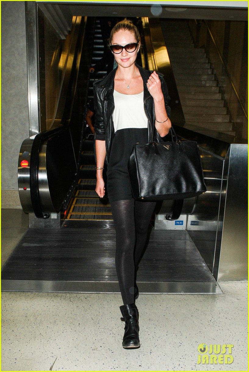 behati prinsloo poses for photo shoot candice swanepoel arrives at lax 032862857
