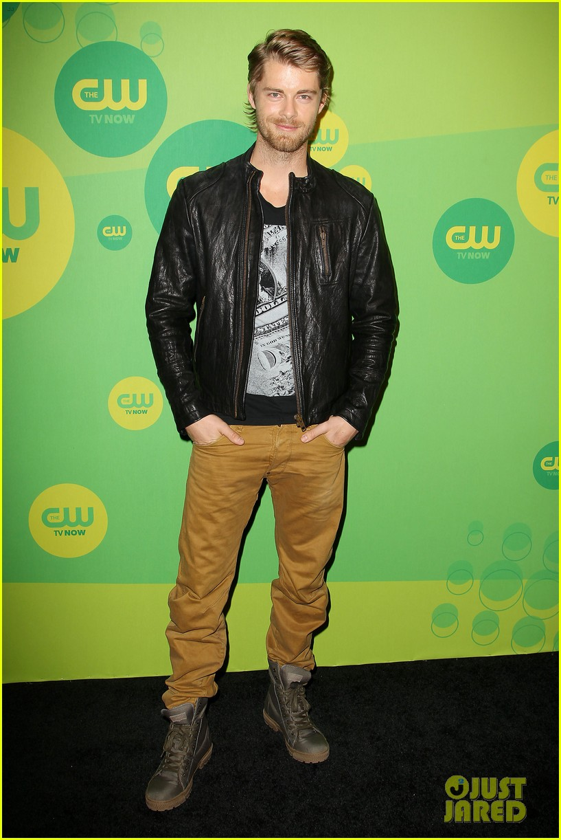 robbie amell matt lanter present new shows at cw upfront 452871894