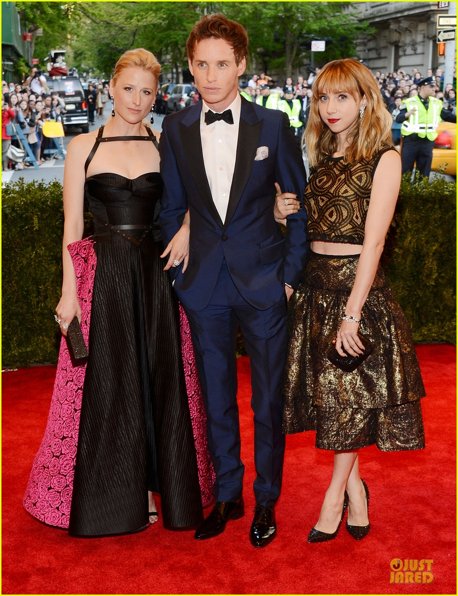 eddie redmayne mamie gummer met ball 2013 red carpet 012865806