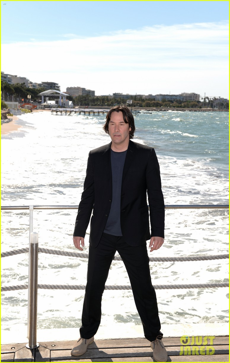 keanu reeves man of tai chi cannes photo call 01
