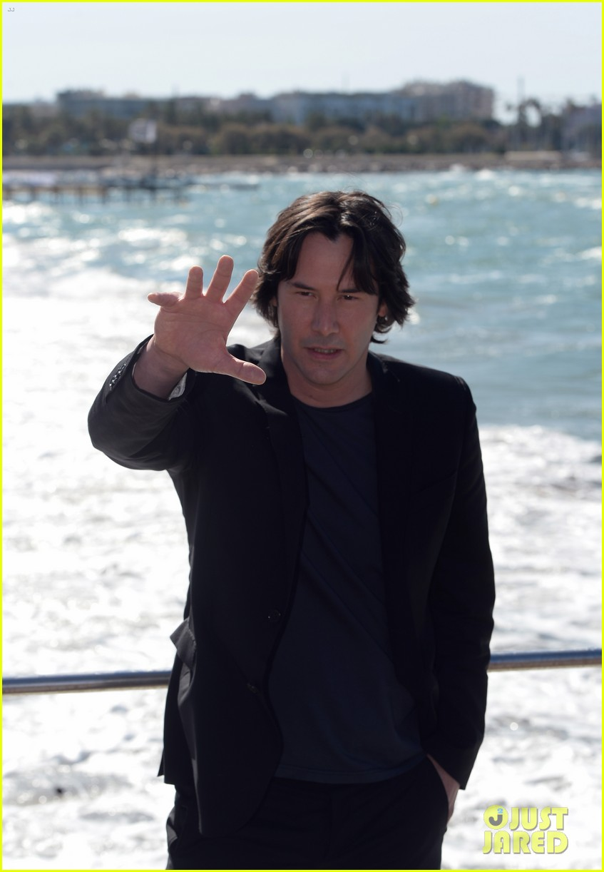 keanu reeves man of tai chi cannes photo call 10