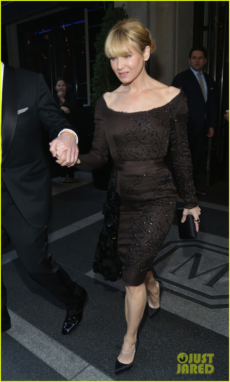 renee zellweger met ball 2013 red carpet 012865619