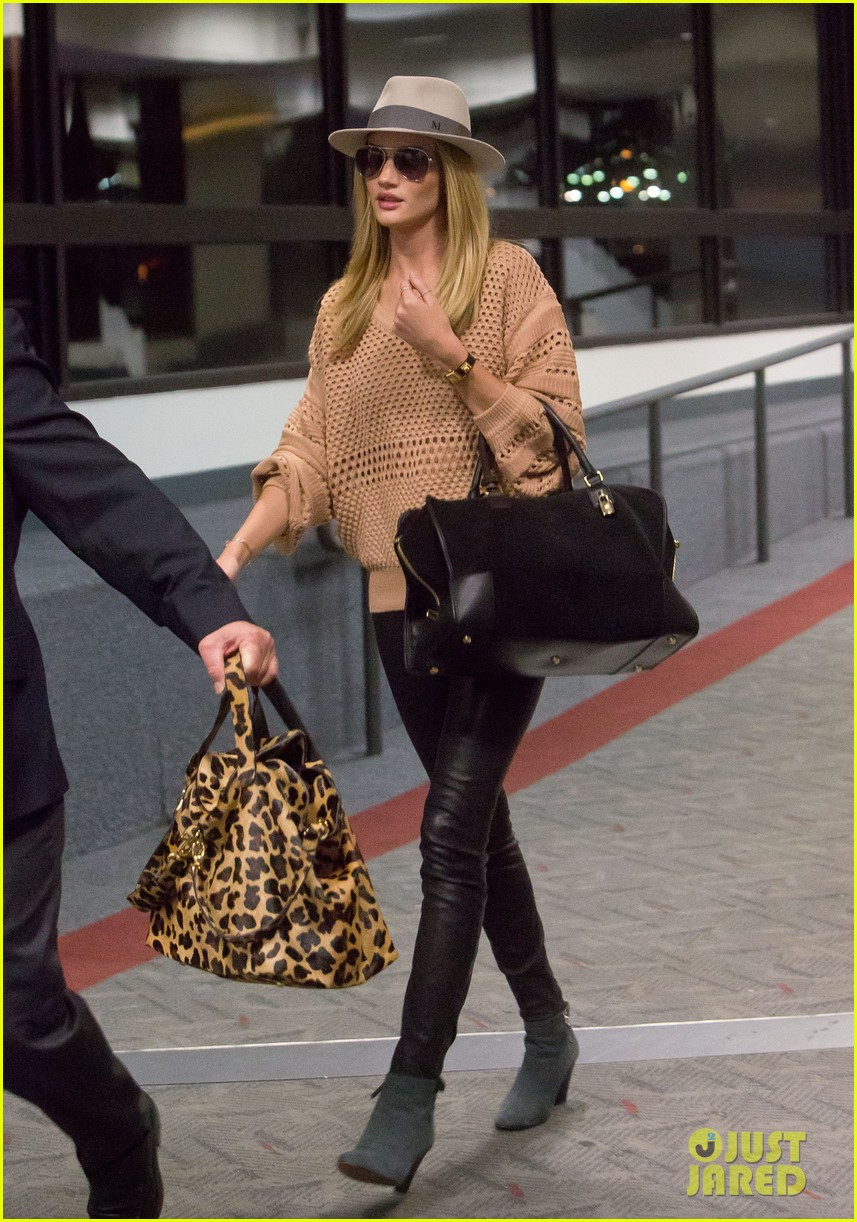 rosie huntington whiteley lax after great photoshoot 01