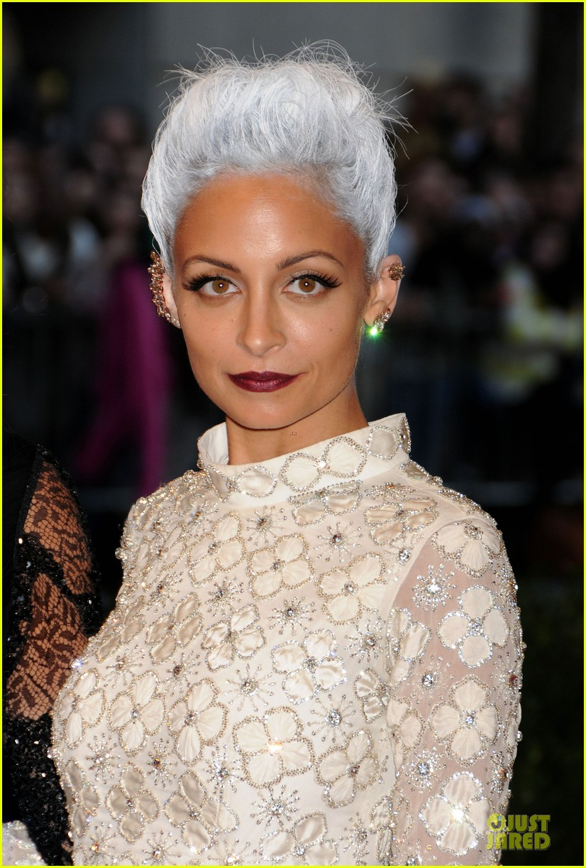 nicole richie met ball 2013 red carpet 022865198