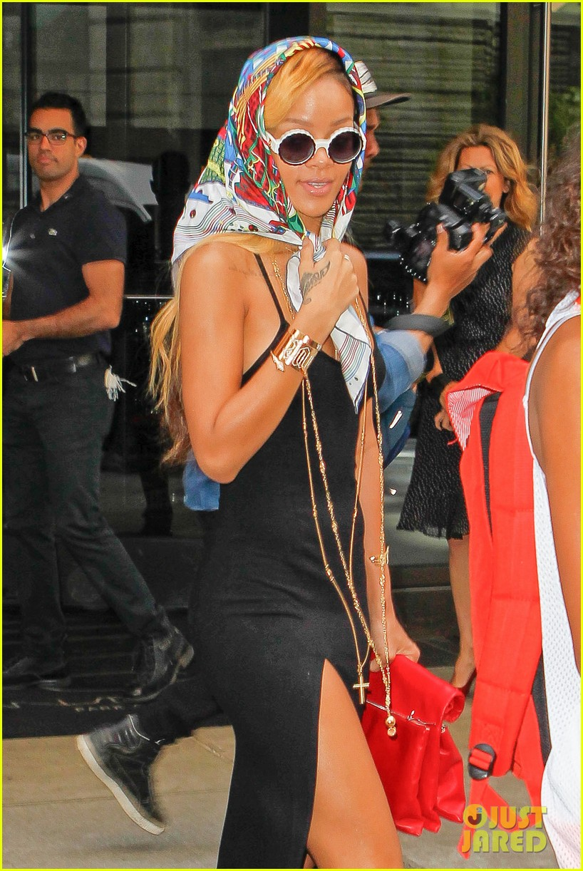 rihanna summer in de air in new york city 04