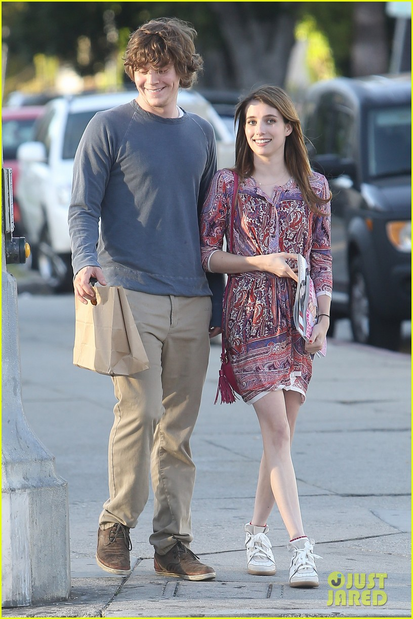 emma roberts evan peters loved up in la 062880567