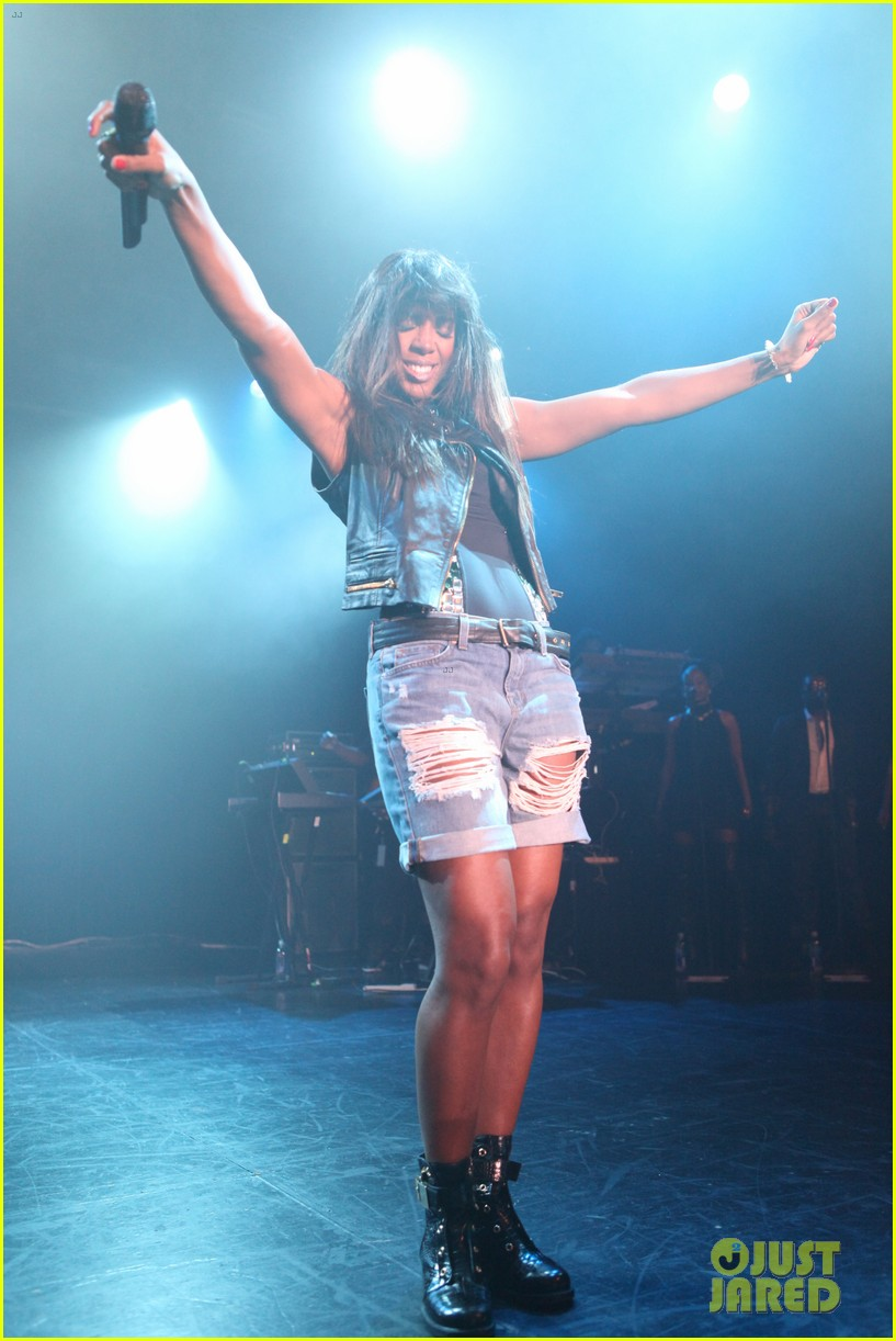 kelly rowland new york lights out tour stop with the dream 042881243