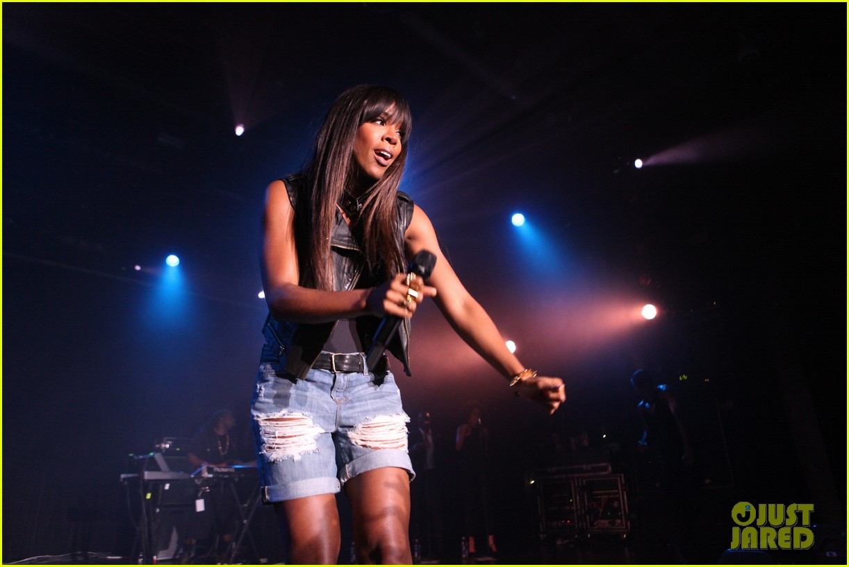 kelly rowland new york lights out tour stop with the dream 072881246