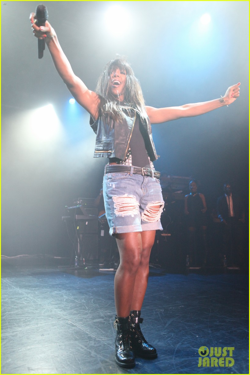 kelly rowland new york lights out tour stop with the dream 12