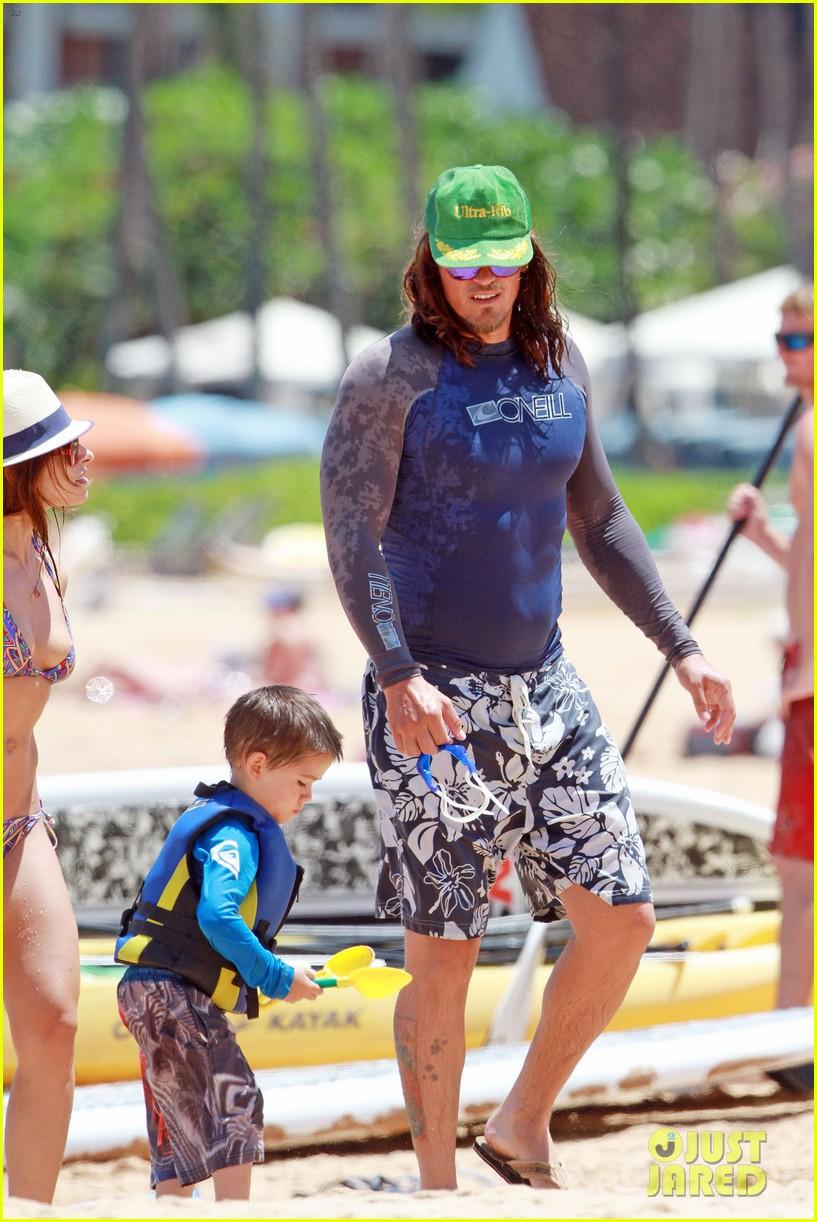 sarah shahi bikini family vacation with shirtless steve howey 282881168