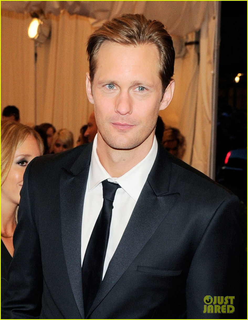 alexander skarsgard met ball 2013 red carpet 022865726