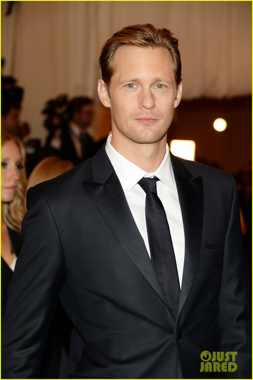 alexander skarsgard met ball 2013 red carpet 042865728