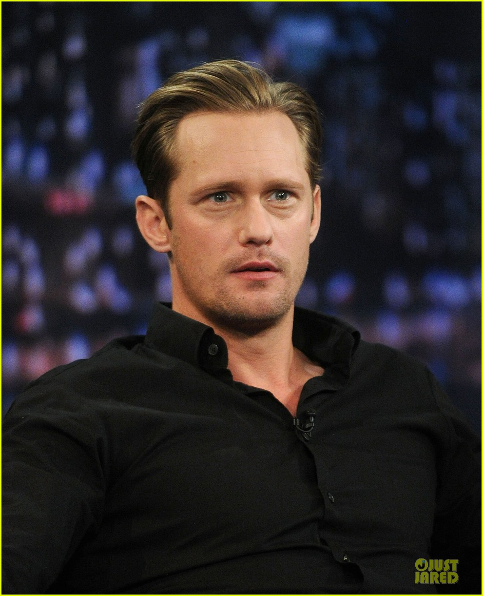 alexander skarsgard leg tattoo on fallon with carey mulligan 172863156