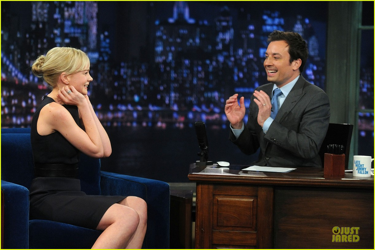 alexander skarsgard leg tattoo on fallon with carey mulligan 242863163