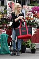 sarah michelle gellar farmers market rides with charlotte 14