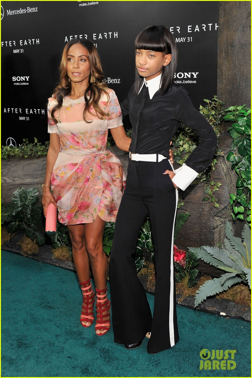 jada will smith after earth premiere with willow jada trey 152880276