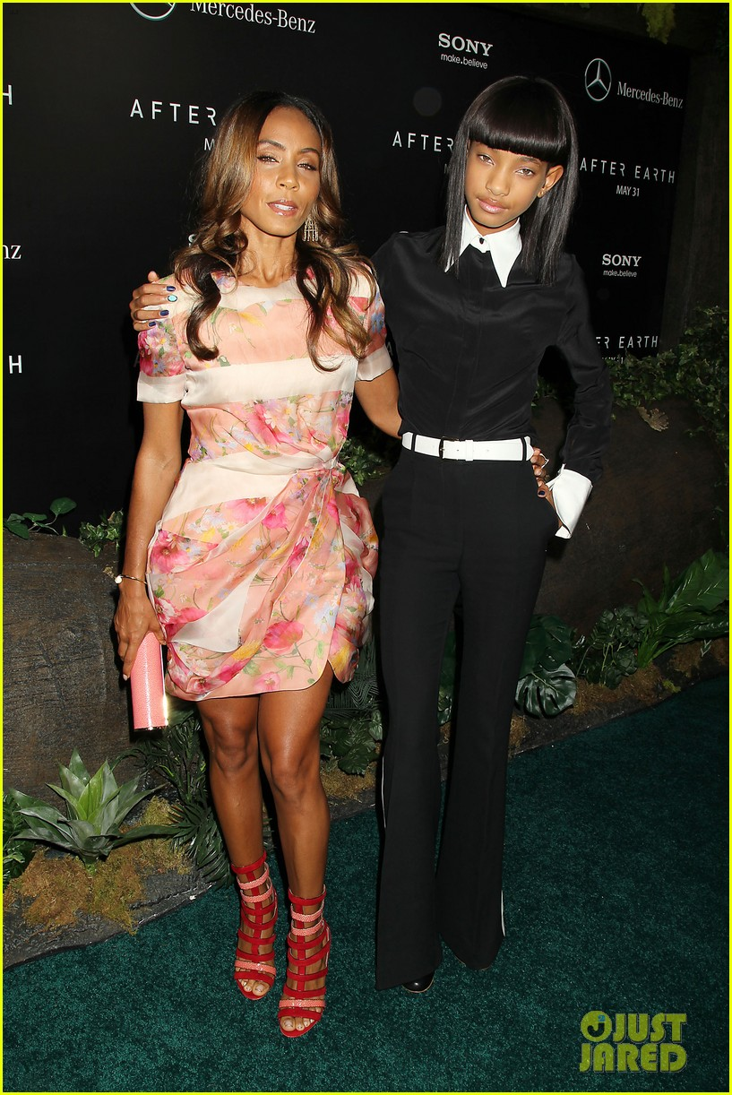 jada will smith after earth premiere with willow jada trey 272880288
