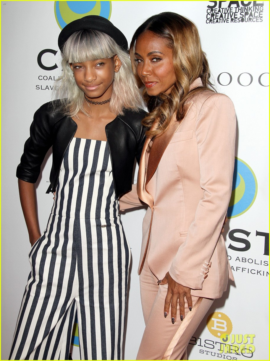 willow smith white hair on red carpet with mom jada 142867639