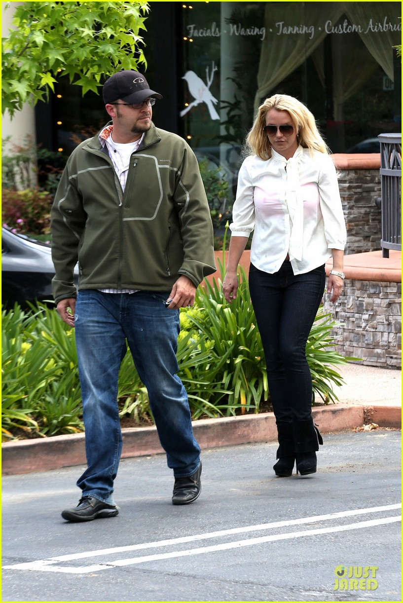britney spears pink bra at coffee bean 292866126