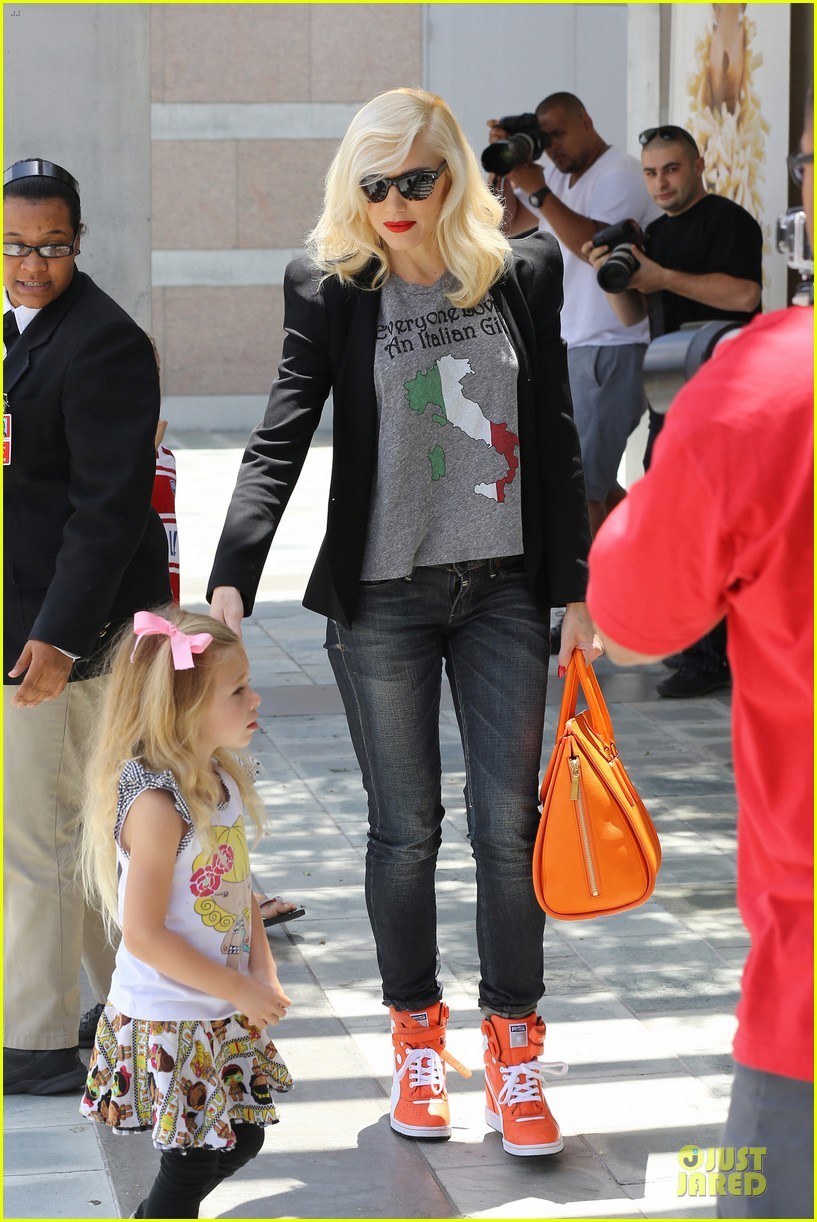 gwen stefani noah ark exhibit with the boys 222878067