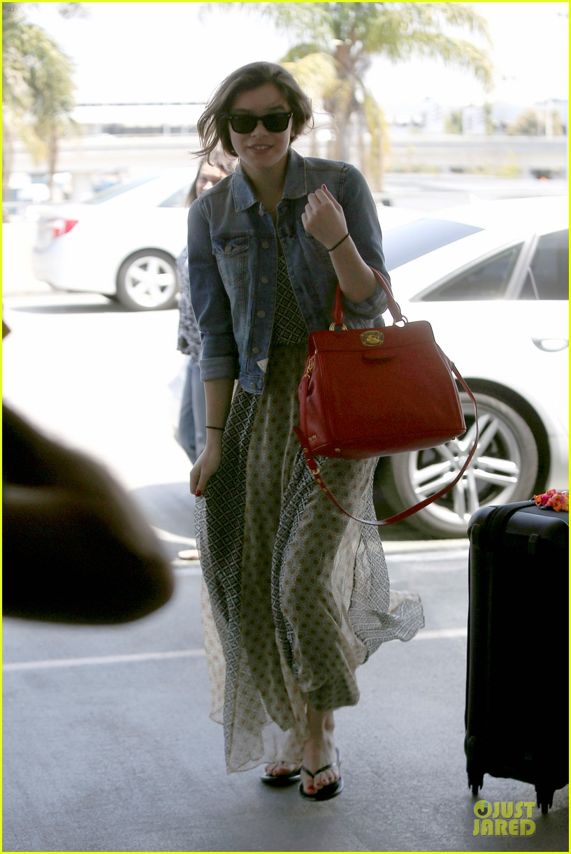 hailee steinfeld dallas bound with taylor swift 072878110