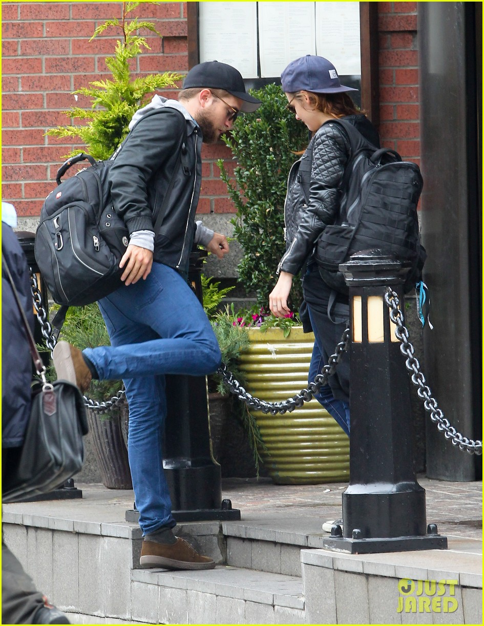 kristen stewart robert pattinson spotted together in nyc 032868159