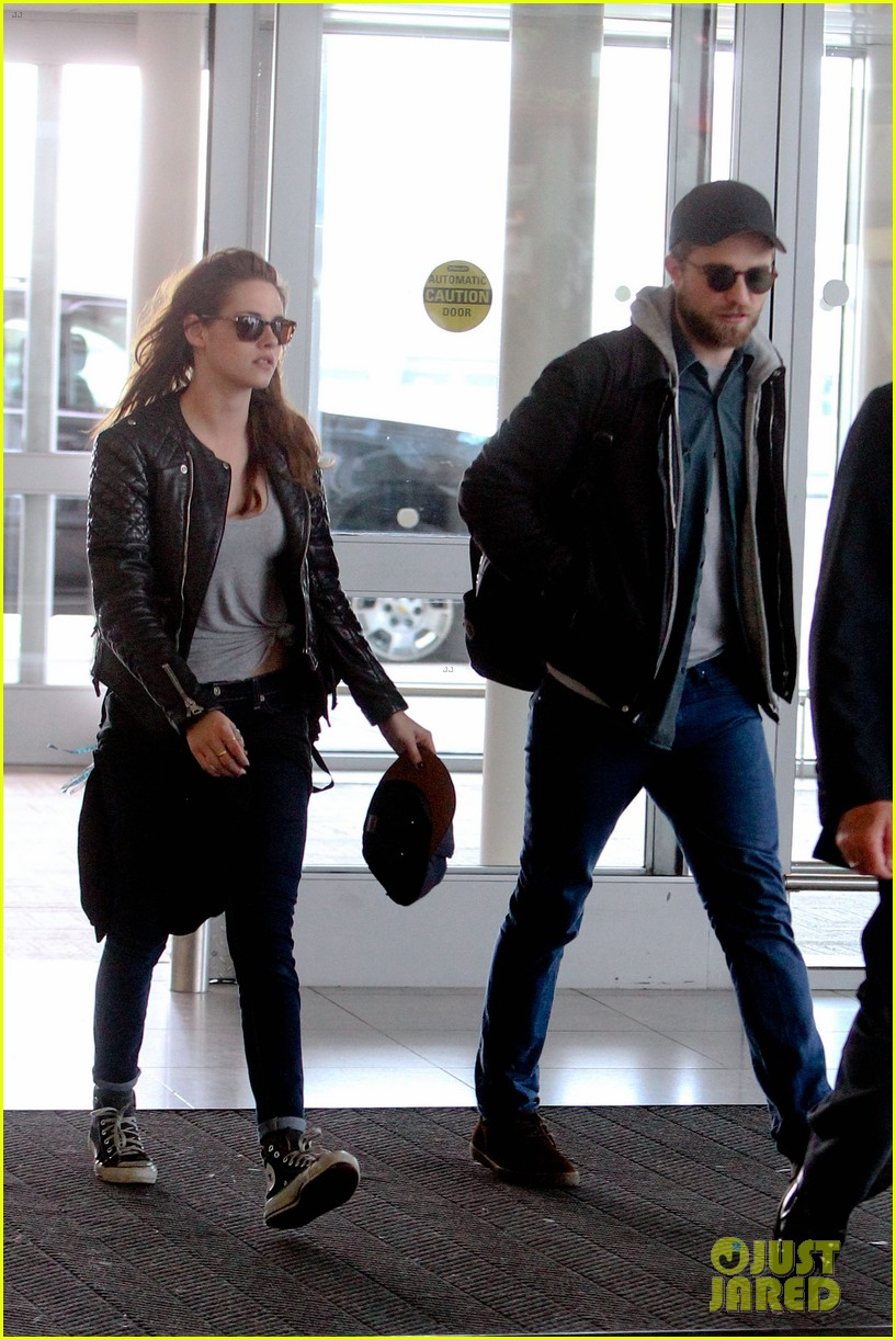 kristen stewart robert pattinson spotted together in nyc 112868167
