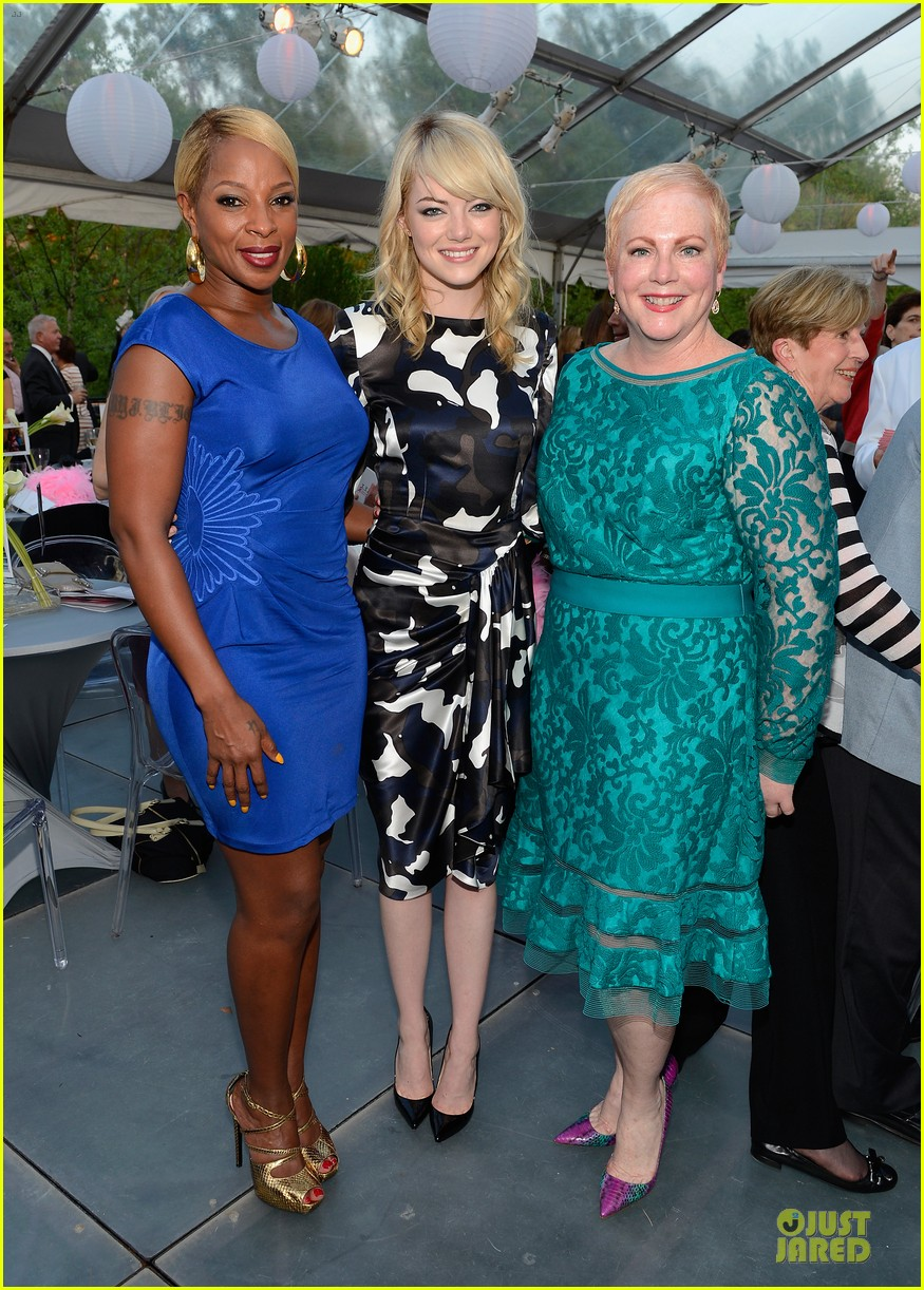 emma stone andrew garfield triple negative breast cancer foundation benefit 132875894