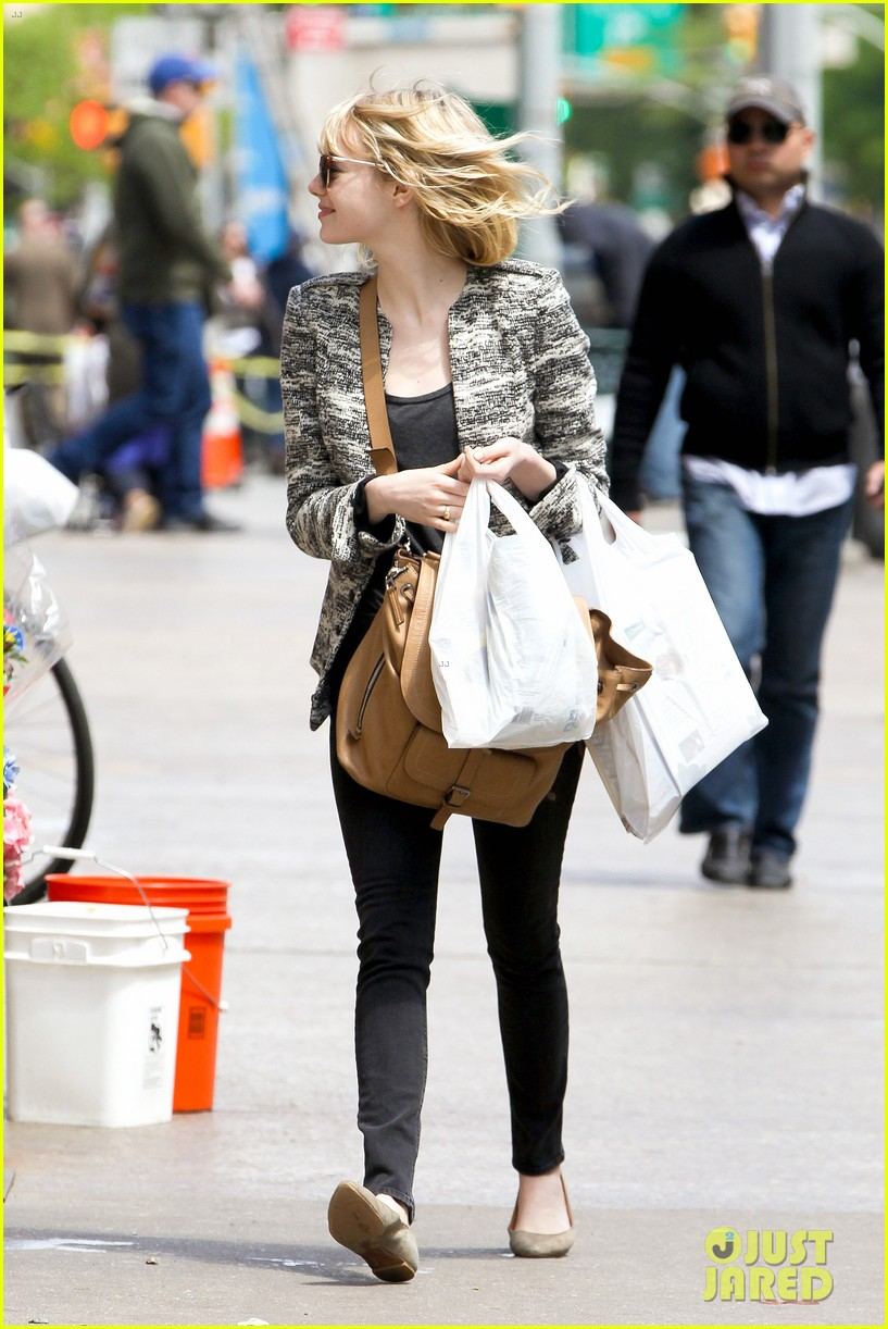 emma stone grocery gal in the big apple 032869662