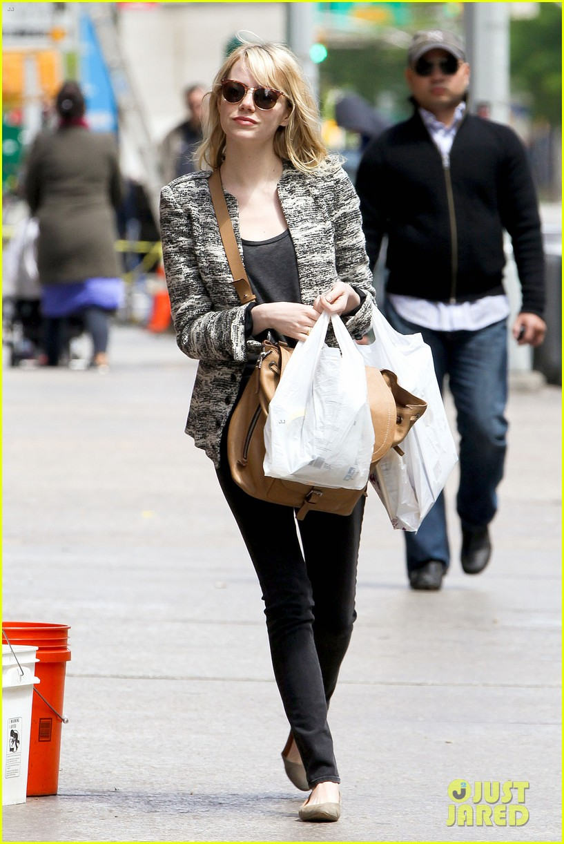 emma stone grocery gal in the big apple 072869666