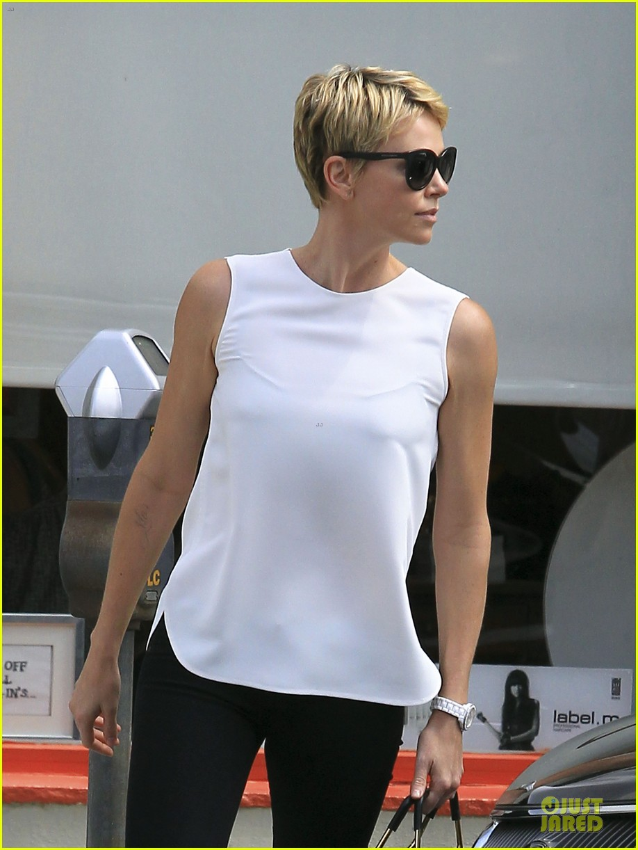 charlize theron inspires selena gomez with fashion 092872580