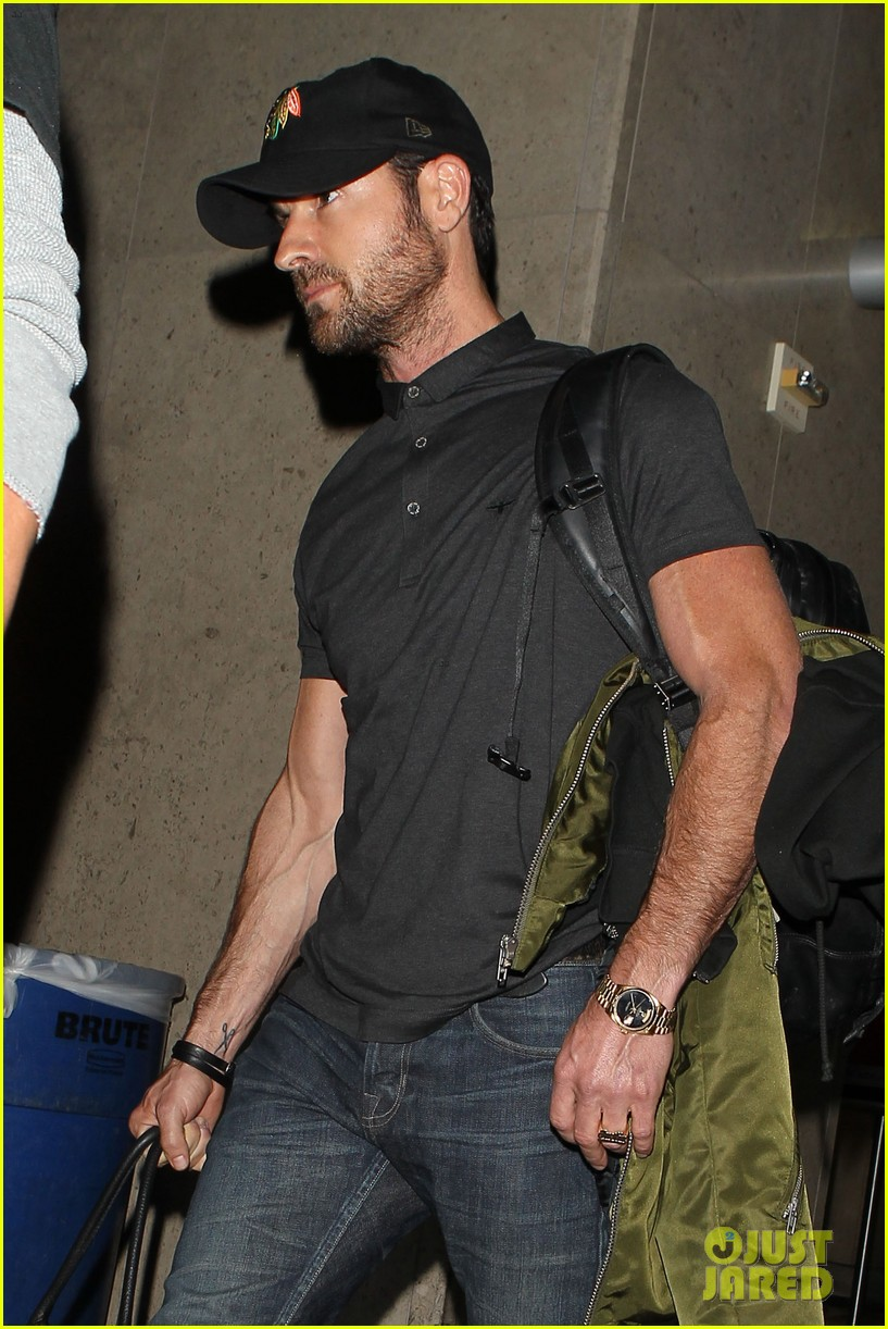justin theroux from new york to lax 022874535