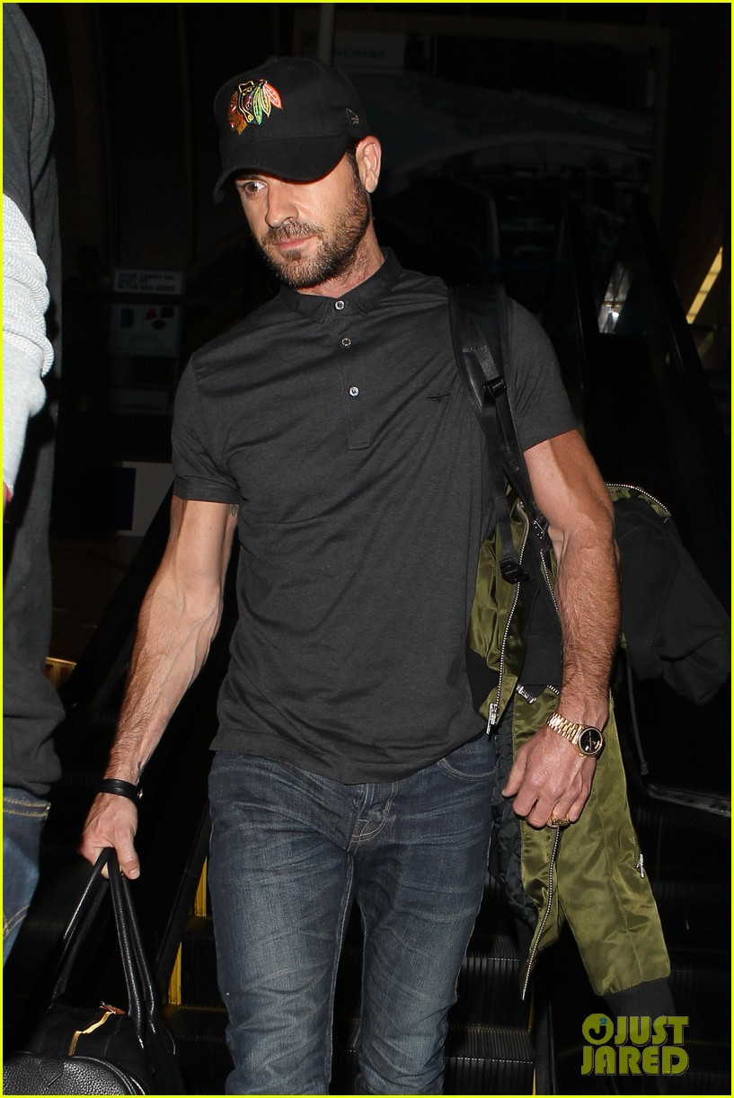 justin theroux from new york to lax 102874543