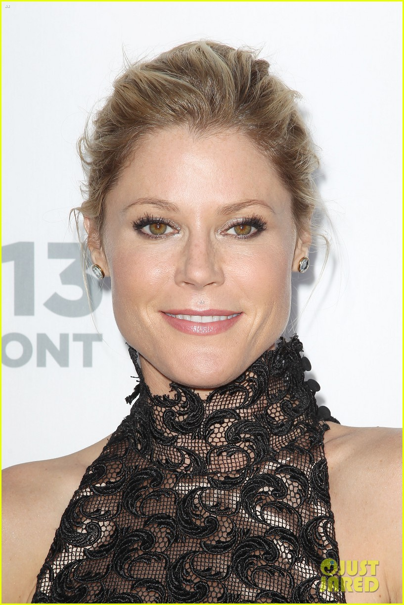 sofia vergara julie bowen modern family at usa upfront 232872199